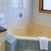 holiday home unit beach mission beach honeymoon accommodation Spa luxury apartment