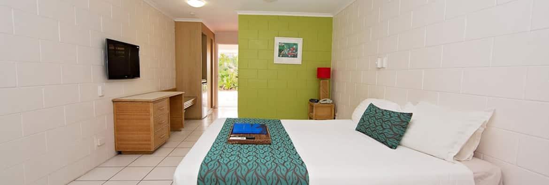 Dunk Island Holidays: Mission Beach Rainforest Hotel